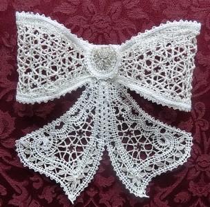 Галстук-бабочка белый  Вологодское кружево